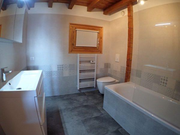 Chalet du Pre Bathroom